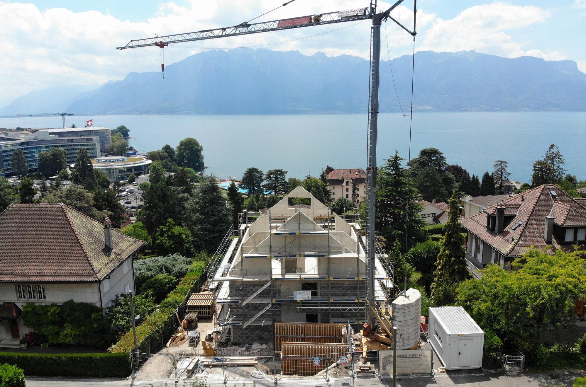 chantier-démolition et construction d'un immeuble de 3 appartements à corseaux - vaud